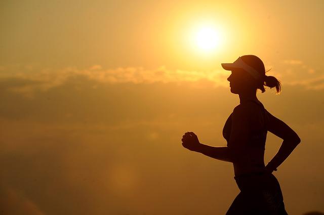 ランニングで脇腹が痛くなる3つの原因と対処法