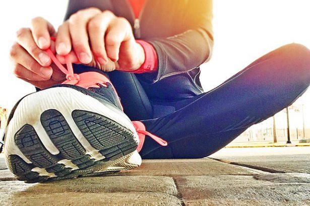 ジョギングが初めての人は、足のどこから着地するべきか
