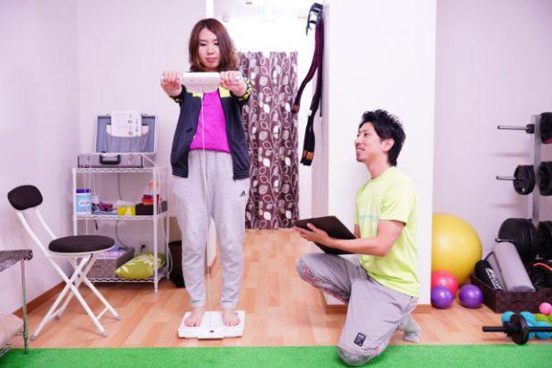 体重を測るタイミング。ジムトレーナーが教える正確な測り方
