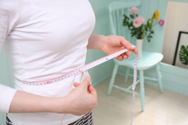 生理前に体重が増える理由。周期にあわせたダイエットのコツ