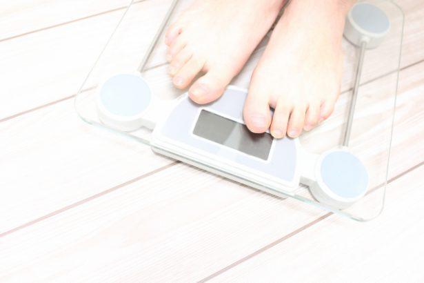 チートデイは嘘?正しく体重を落とす条件7つ