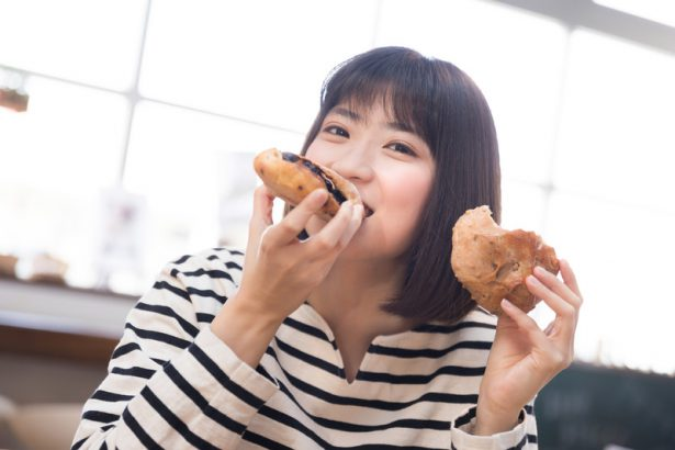 間食をやめたいときに取る行動5選|止まらない食欲を抑えるコツ