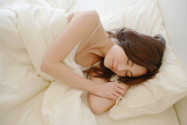 睡眠の質を上げる7つの方法。寝不足&寝つきが悪い人がやるべきこと