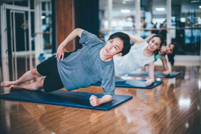 基礎代謝を上げる筋トレ3選|自宅でできるエクササイズ
